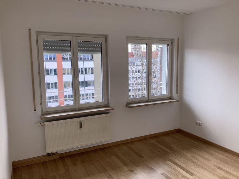 SZ1 768x576 - 2-Zimmer-Wohnung in zentraler Lage direkt am Hauptbahnhof