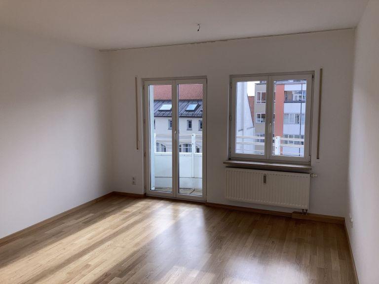 WZ1 768x576 - 2-Zimmer-Wohnung in zentraler Lage direkt am Hauptbahnhof