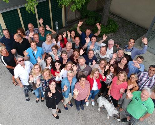 Ueber uns Team 2018 495x400 1 - Immobilienkauffrau/-mann (m/w/d), Schwerpunkt Verwaltung von Gewerbeeinheiten