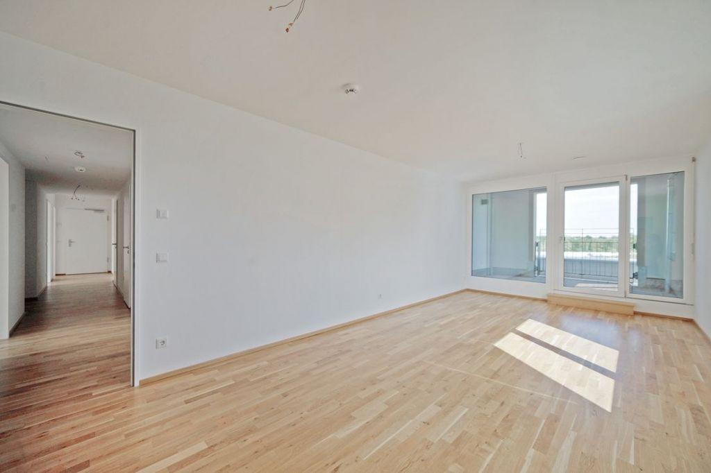 Wohnzimmer 1024x682 - Neubau! Erstbezug! Moderne 4-Zimmer-Wohnung mit Einbauküche und Loggia (Whg. 08.19)