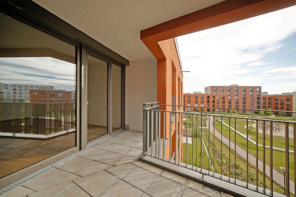 Eck Loggia 1024x682 - Neubau! Erstbezug! Moderne 3-Zimmer-Wohnung mit Einbauküche und Loggia (Whg. 07.12)