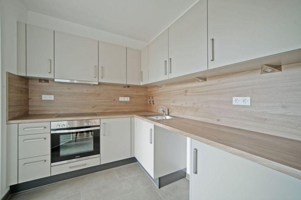 Einbaukueche 1 1024x682 - Neubau! Erstbezug! Moderne 3-Zimmer-Wohnung mit Einbauküche und Loggia (Whg. 07.12)