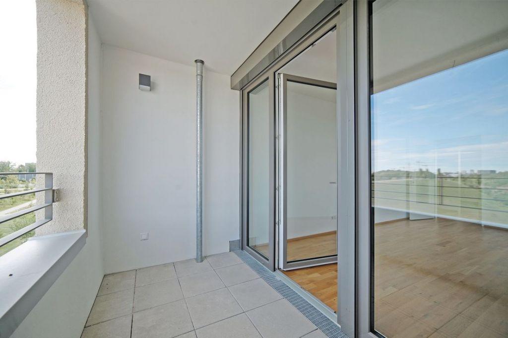 Loggia 1 1024x682 - Neubau! Erstbezug! Großzügige 2- bis 4-Zimmer-Wohnungen in Neupasing