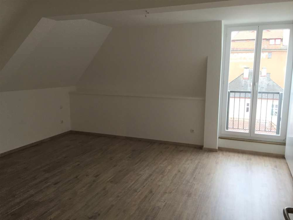 Gleichmannstrasse Schlafzimmer - Große 2-Zimmer-Wohnung mit Galerie am Pasinger Bahnhof