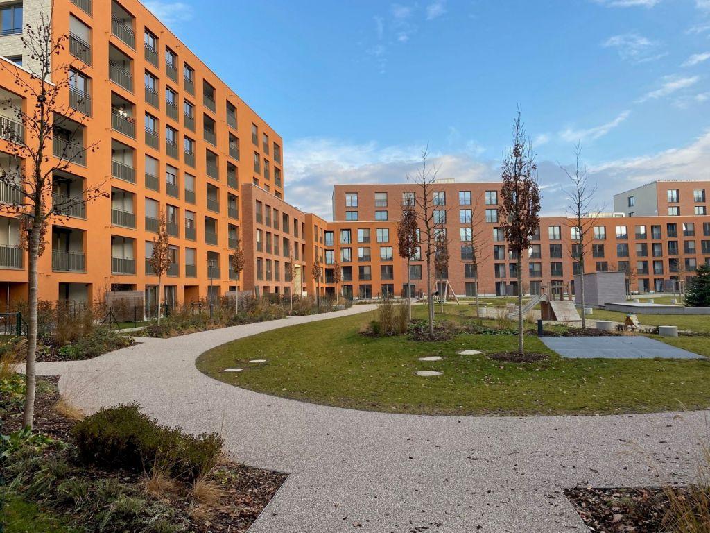 Innenhof2 1024x768 - Neubau! Erstbezug! Großzügige 2- bis 4-Zimmer-Wohnungen in Neupasing