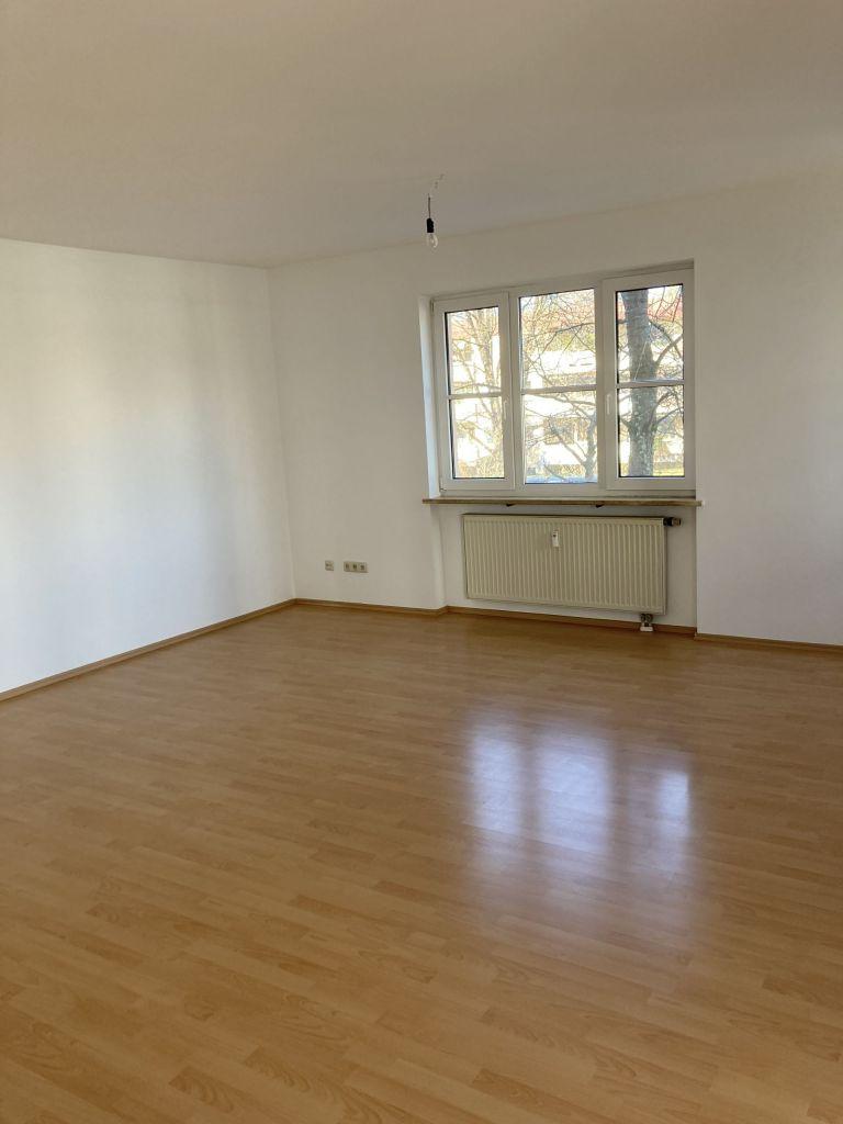 Vergleichsfoto WZ 768x1024 - Gepflegte 2-Zimmer-Wohnung am Hirschgarten
